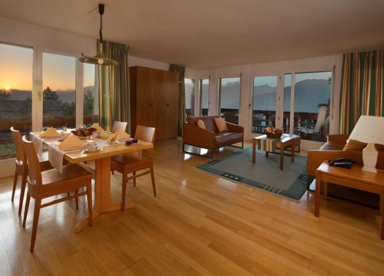 Helvetia Intergolf Appart Hôtel Crans Montana King Suite